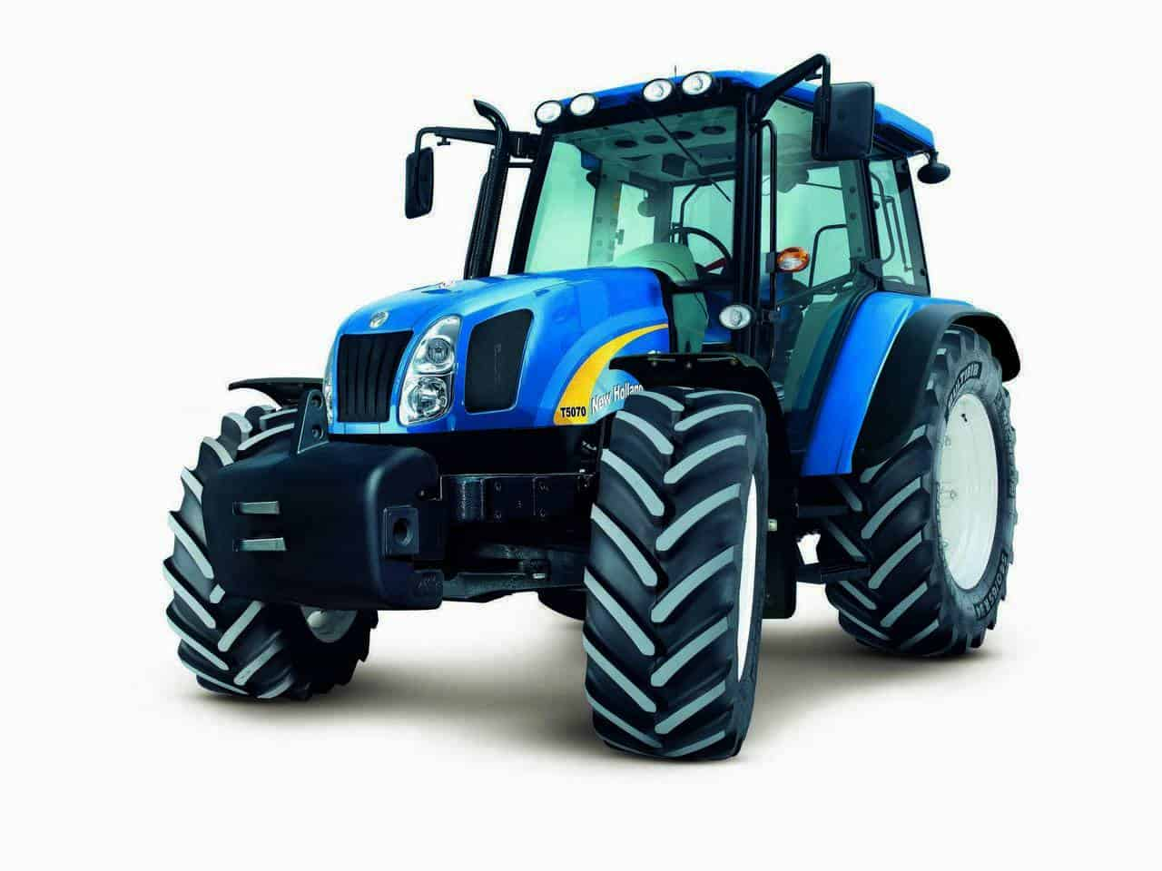 New Holland Tractor People : Manufacturer of the year awards hail new holland as