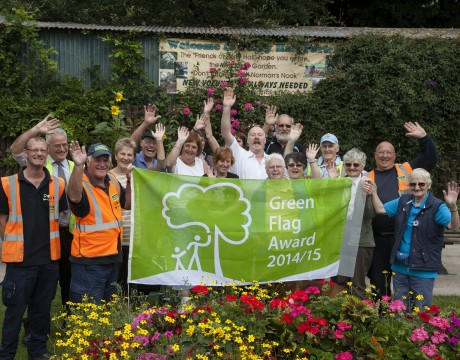 Glendale and The Friends of Perry Hall Park in Birmingham celebrate the Green Flag win