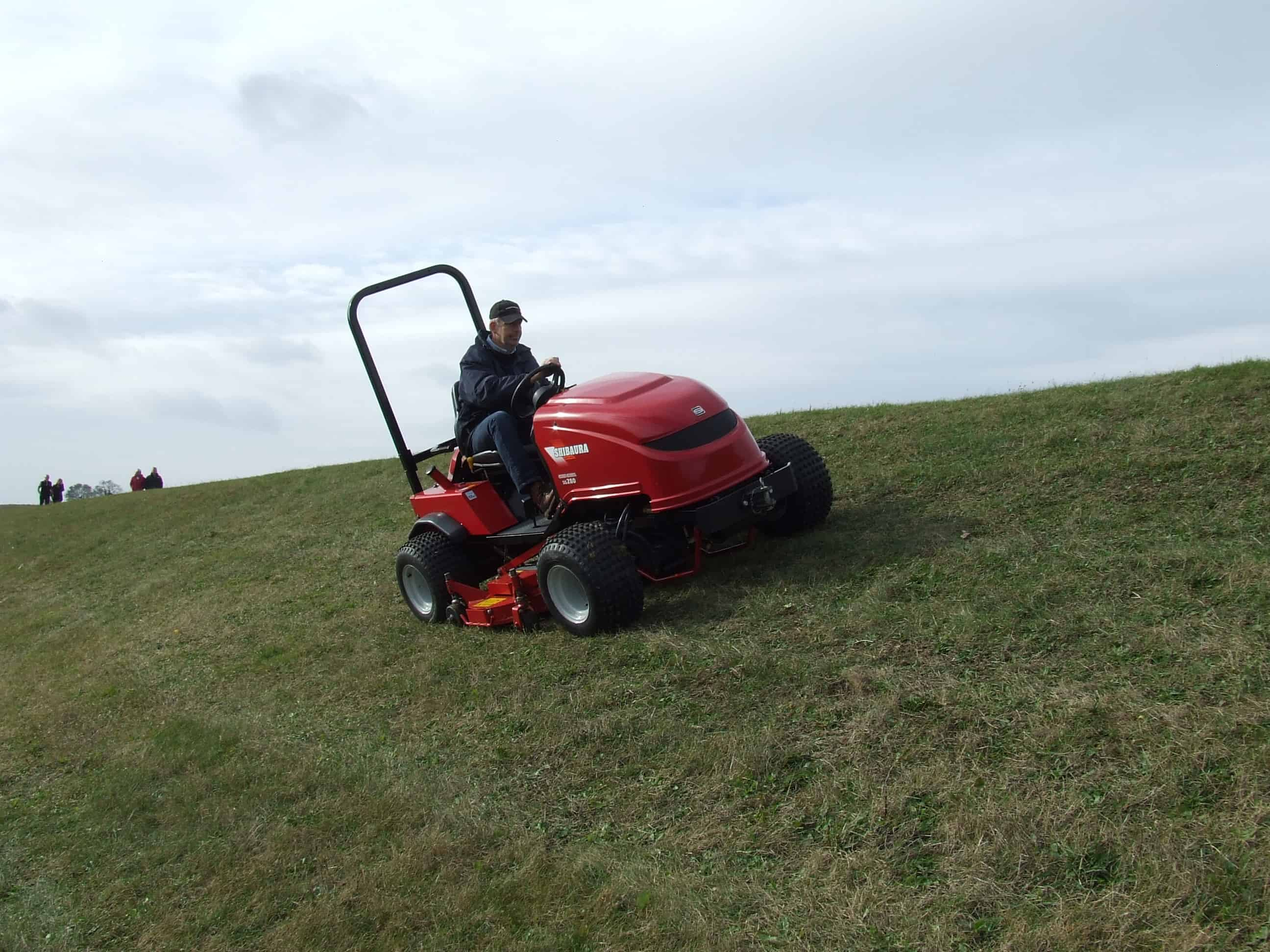contractor weedfree purchase multi functional shibaura slope mower. Black Bedroom Furniture Sets. Home Design Ideas
